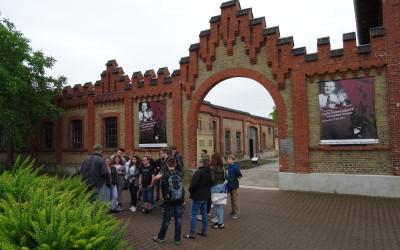 Interkultureller Wandertag der Klassenstufe 9 zur Gedenkstätte KZ Osthofen