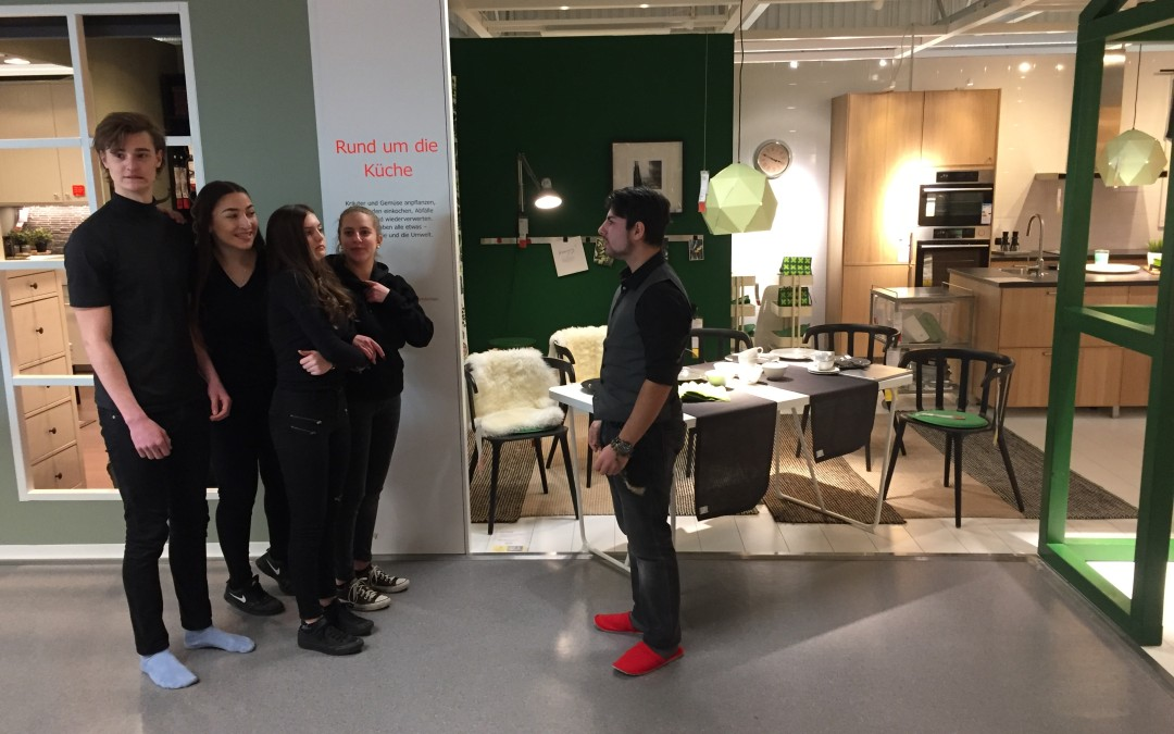 theater flashmob im schwedischen m belhaus igs frankenthal. Black Bedroom Furniture Sets. Home Design Ideas
