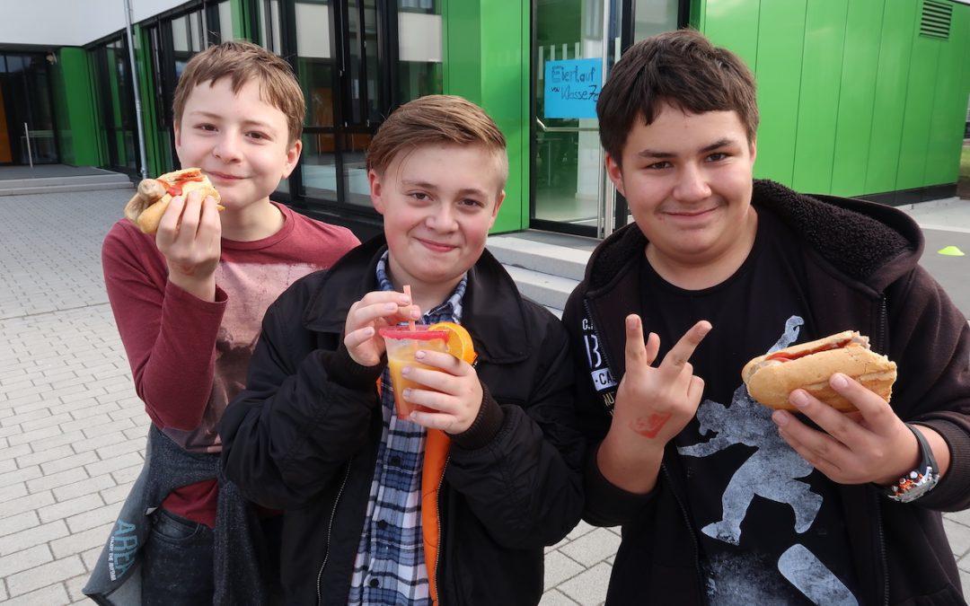 """Schulfest """"AUS ALT MACH NEU"""" – Ein voller Erfolg"""
