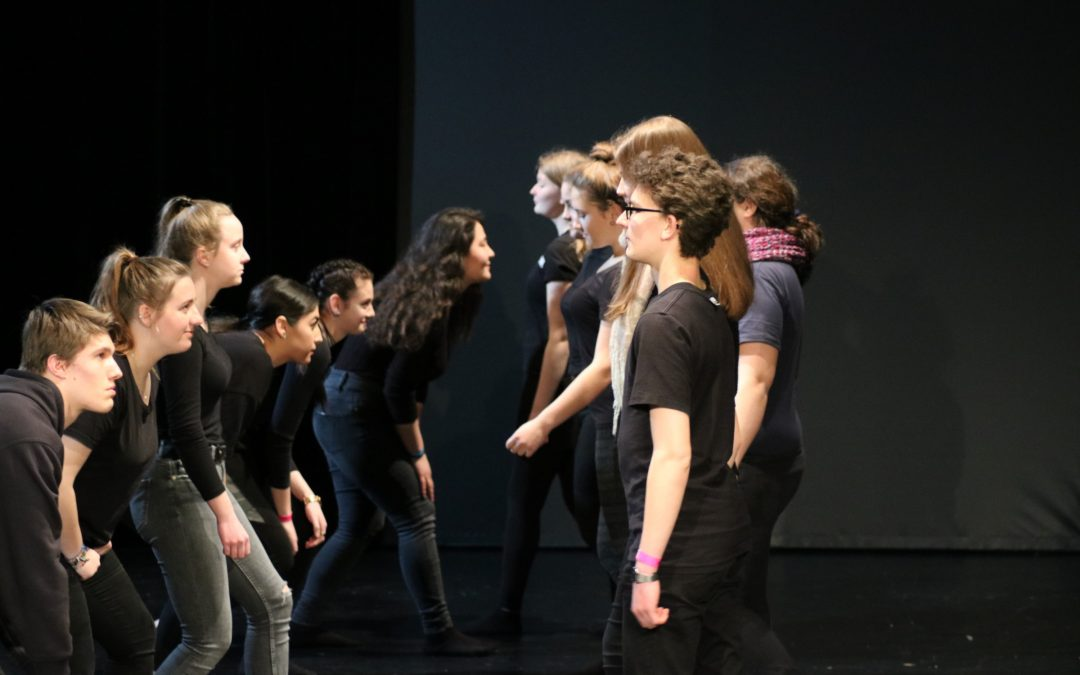 """Darstellendes Spiel"" im Jahrgang 10 nimmt am Theaterfestival ""Play"" teil"
