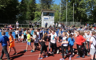 Lehrer-Schüler-Match entscheidet sich im Elfmeterschießen